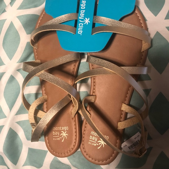 556205f0ceb6 NWT Gold Strappy Sandals size 11